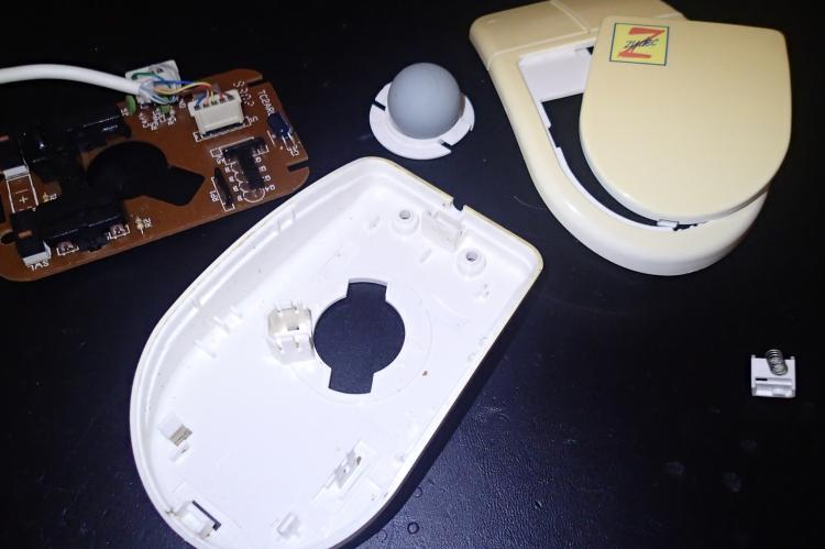 Amiga / Atari ST Zydec mice disassembled