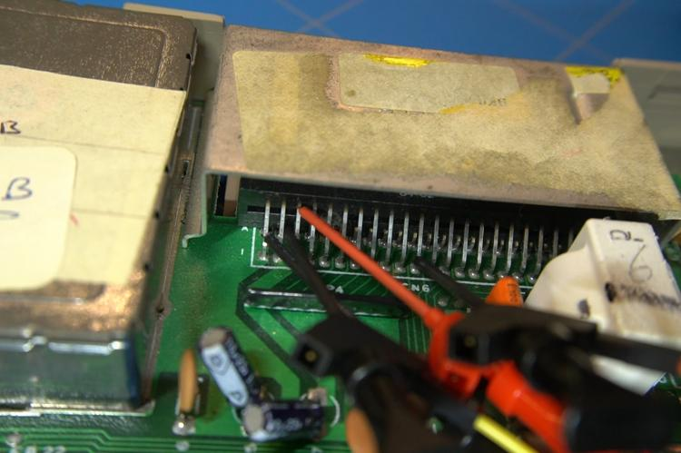 C64 cartridge port with connected pin clips