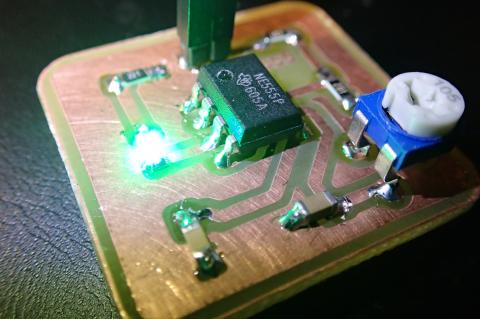 555 timer board with SMD components